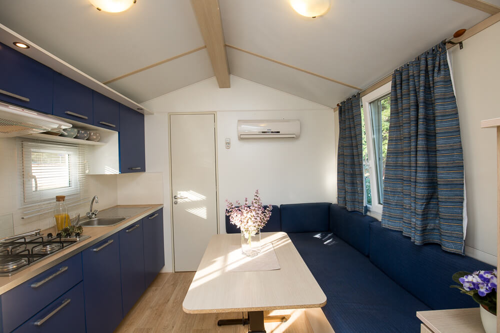 Camp Dvor mobile home
